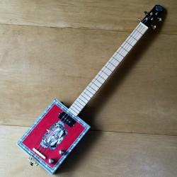 Cigar box guitar 4 cordes StLouis American micro 4 plots